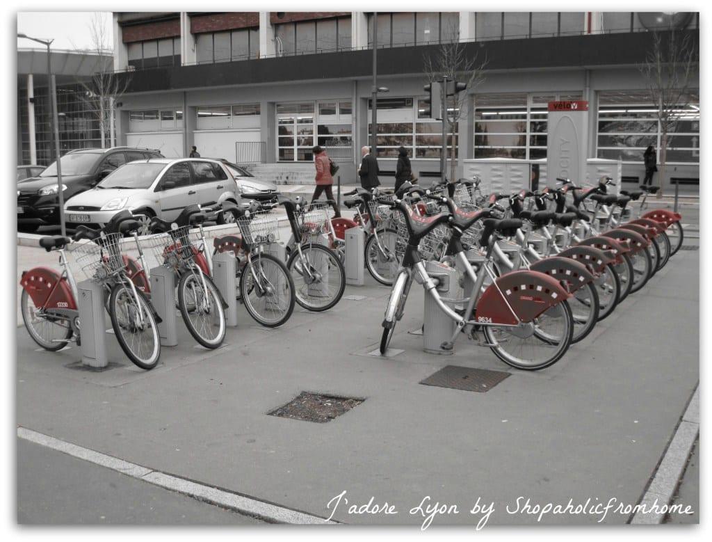 Ride a velo'v to visit Lyon