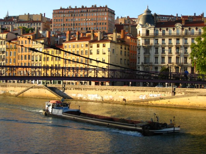 Daybreak on the Saône quays in Lyon