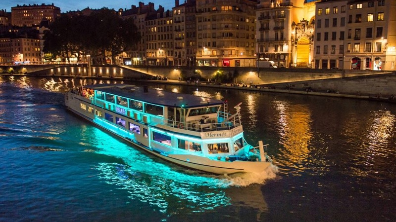 Lyon boat trip by night