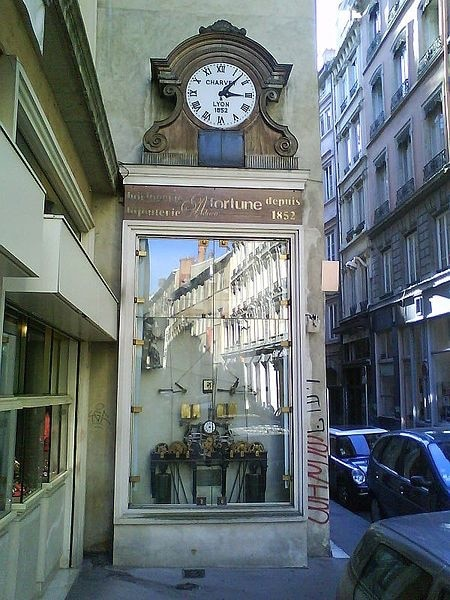 Secret clock in Lyon