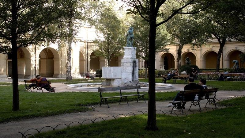 Lyon Fine arts musuem garden