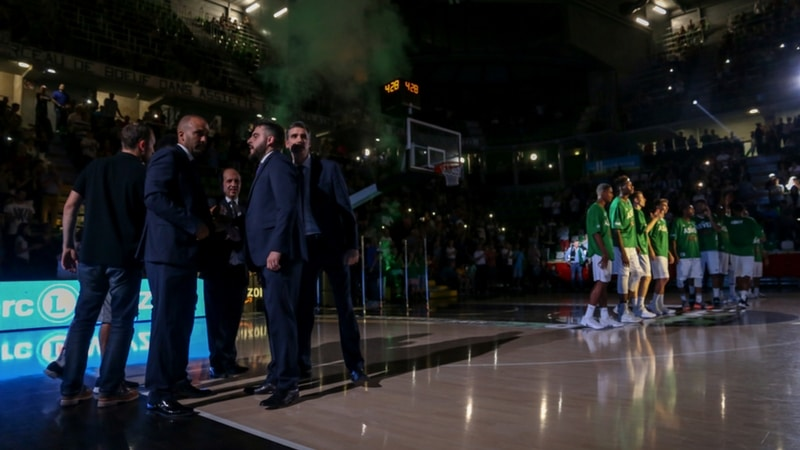 courtside view of the ASVEL in the astroballe