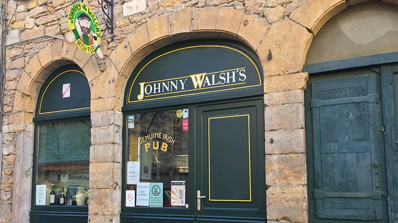 Johnny Walsh's pub in Vieux Lyon.