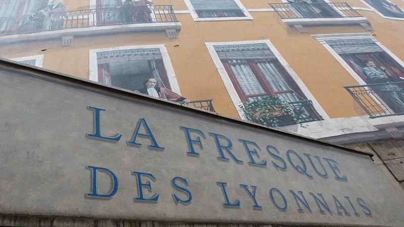 La Fresque des Lyonnais sign in Lyon.