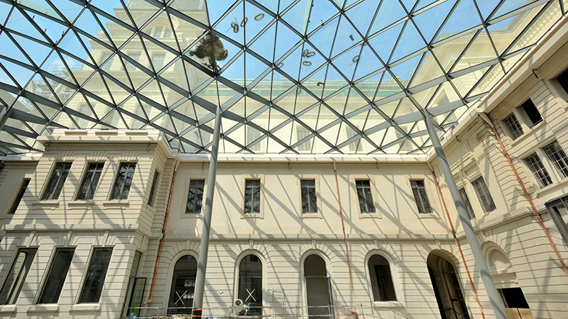 the glass roof on lyon hotel dieu's southern courtyard