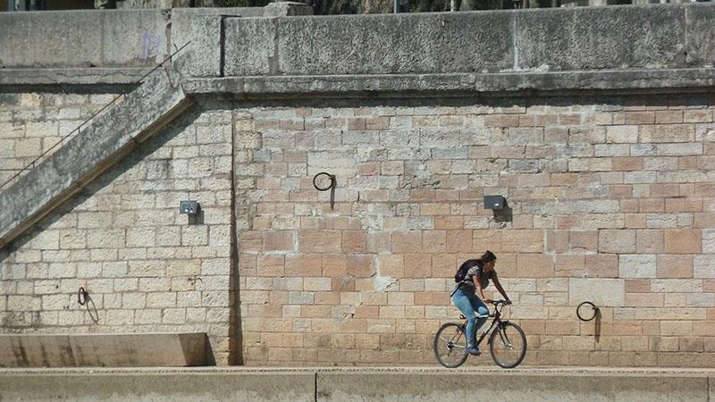 bike on saone riversides in lyon