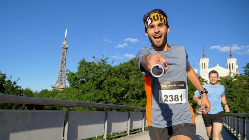 runners across the parc des hauteurs near fourvière in lyon