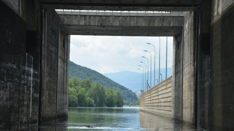 lock gate to ampuis vaugris on the rhone river