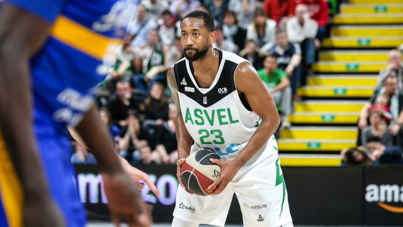 david lighty playing for the asvel basketball in lyon