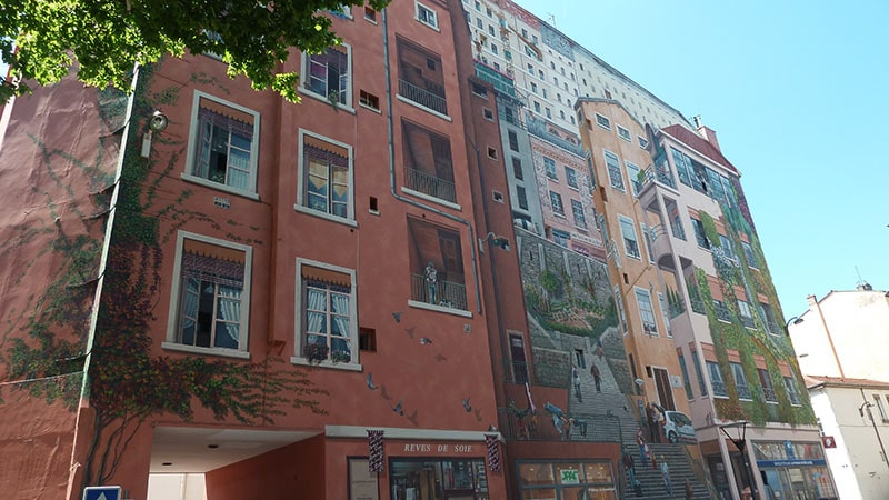 Painted wall in Lyon Croix-Rousse, 4th district
