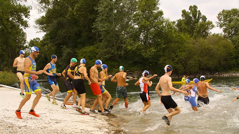 swim run in grand parc Miribel-jonage near Lyon