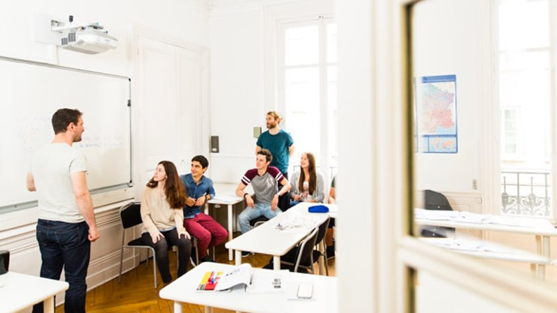 Foreign students learning French in Lyon