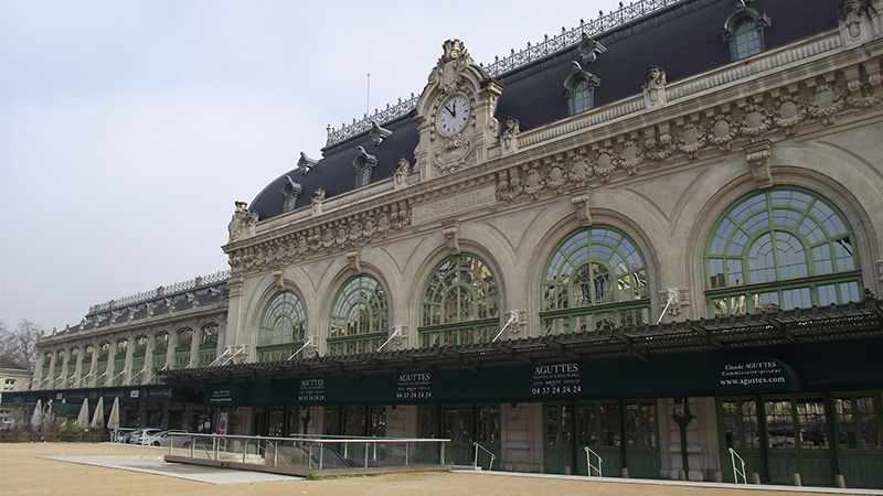 brotteaux train station in lyon 6th district