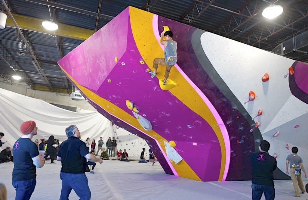 boulder climbing gyms in Lyon