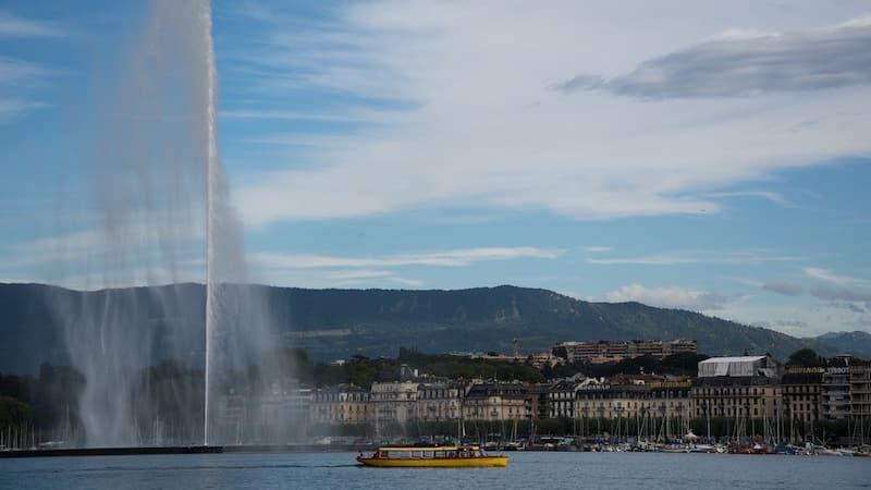 """The """"jet d'eau"""" on lake Geneva"""