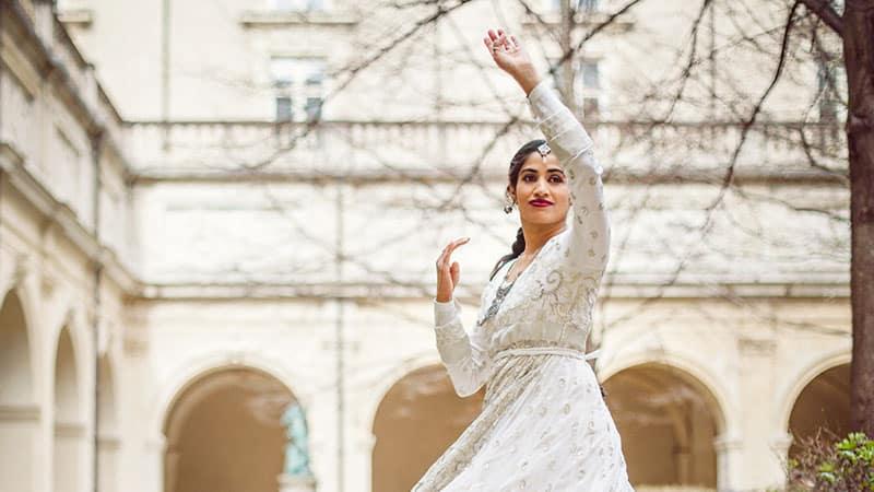Expat Rafia Bon from Pakistan