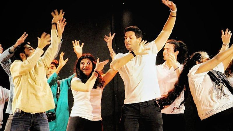 Holi indian festival Bollywood moves